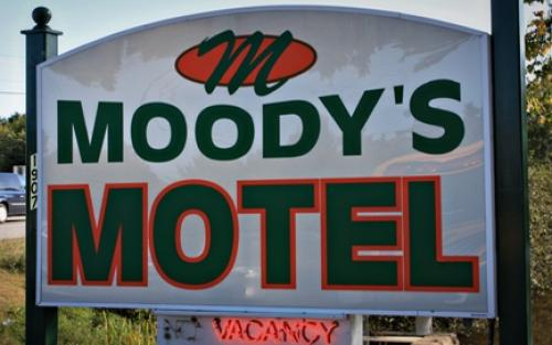 Moody's Motel & Cabins